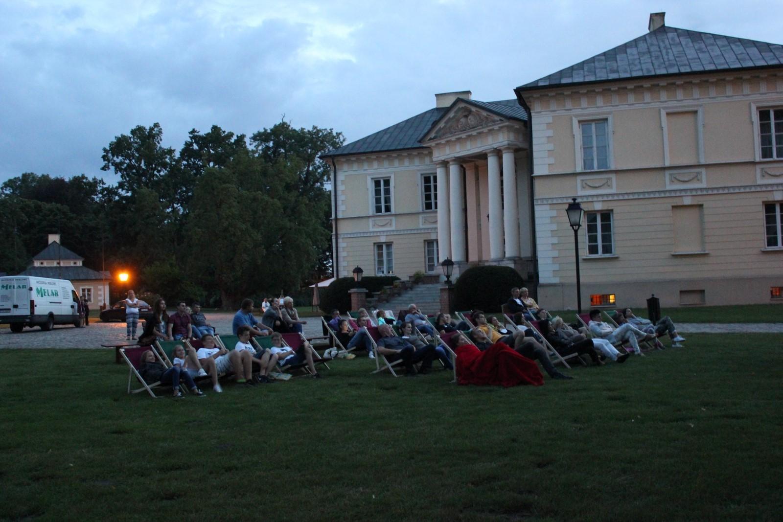 pałacowe kino letnie